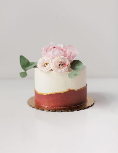 Burgundy fault line cake